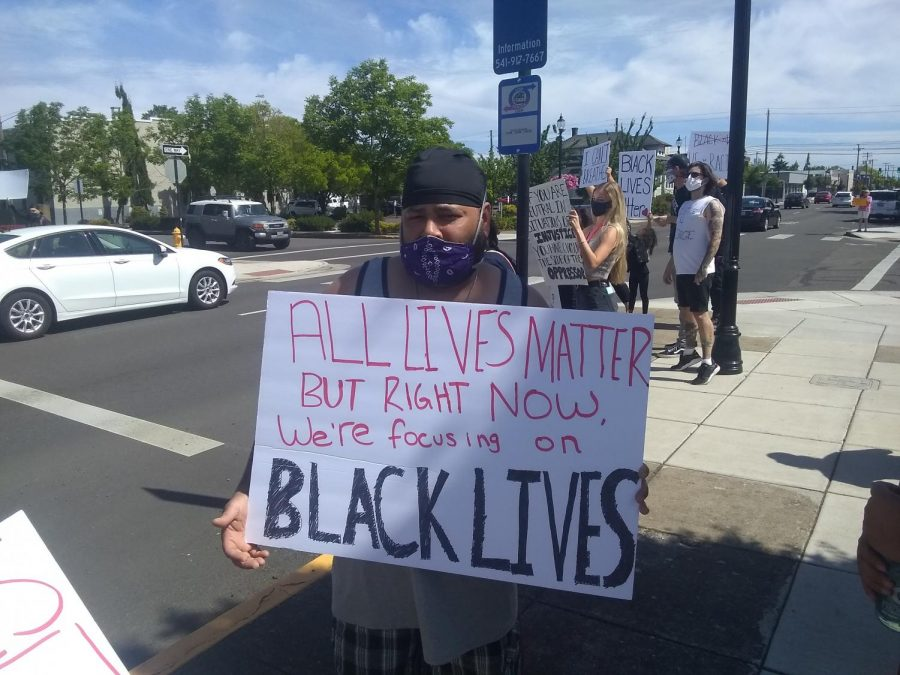 Protesting+racial+injustice%2C+hundreds+flood+Ellsworth+Street